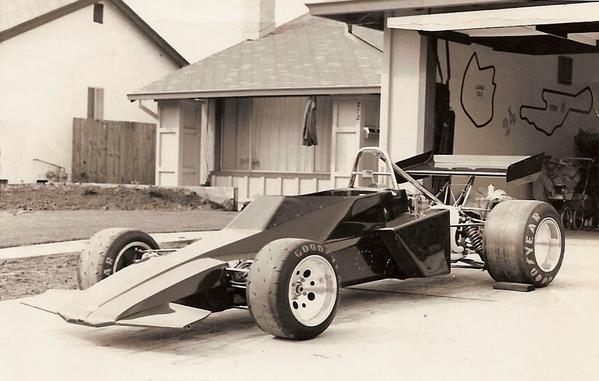 2-Brabham BT40-1