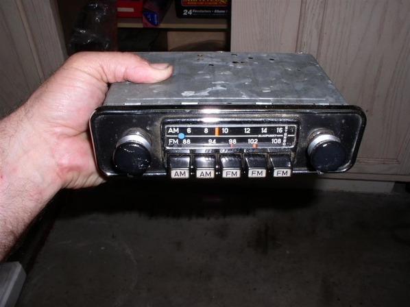Blaupunkt_Pantera_Radio_(2)_(Medium)
